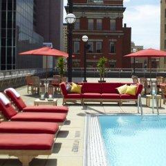 Отель Renaissance Columbus Downtown Hotel США, Колумбус - отзывы, цены и фото номеров - забронировать отель Renaissance Columbus Downtown Hotel онлайн бассейн