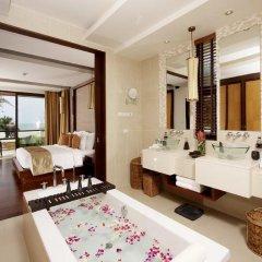 Отель Movenpick Resort Bangtao Beach Пхукет ванная