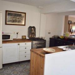 Отель 4 Bedroom House Near Seven Dials интерьер отеля