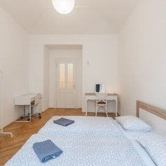 Апартаменты Central Apartment With Netflix Subscription 2 Bedroom Apts Прага комната для гостей фото 4