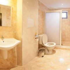 Отель Guest House Kristal Болгария, Равда - отзывы, цены и фото номеров - забронировать отель Guest House Kristal онлайн ванная фото 2