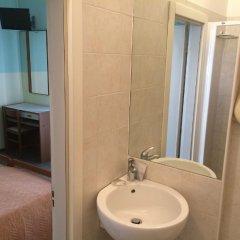 Отель Ausonia Италия, Римини - 3 отзыва об отеле, цены и фото номеров - забронировать отель Ausonia онлайн ванная