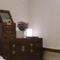 Отель STAY256 Hanok Guesthouse Южная Корея, Сеул - отзывы, цены и фото номеров - забронировать отель STAY256 Hanok Guesthouse онлайн сейф в номере