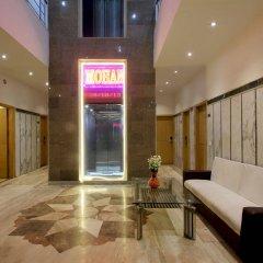 Отель OYO 16011 Hotel Mohan International Индия, Нью-Дели - отзывы, цены и фото номеров - забронировать отель OYO 16011 Hotel Mohan International онлайн интерьер отеля фото 2