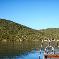 The Doria Hotel Yacht Club Kas Турция, Патара - отзывы, цены и фото номеров - забронировать отель The Doria Hotel Yacht Club Kas онлайн приотельная территория фото 2