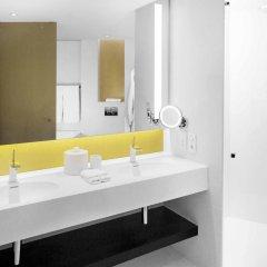 Отель Hilton Amsterdam Airport Schiphol Нидерланды, Схипхол - 1 отзыв об отеле, цены и фото номеров - забронировать отель Hilton Amsterdam Airport Schiphol онлайн ванная