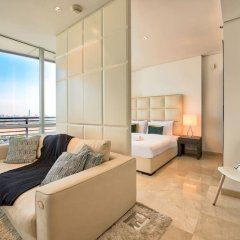 Апартаменты Luxury Apartment Steps Away From Everything! Дубай комната для гостей фото 2