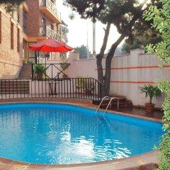 Отель Betsy's бассейн фото 3