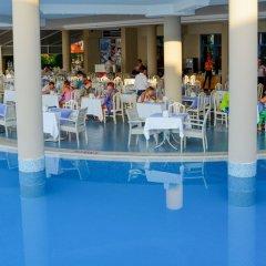 Orka Nergis Beach Hotel Турция, Мармарис - отзывы, цены и фото номеров - забронировать отель Orka Nergis Beach Hotel онлайн бассейн