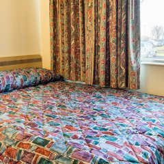 Отель Rodeway Inn (Scarborough Blvd) Колумбус комната для гостей фото 4