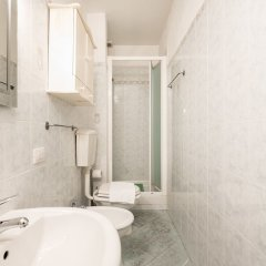 Отель Duomo Cosy Loft in the Florence Center ванная фото 2