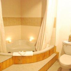 Отель Best Western The Lodge at Creel Мексика, Креэль - отзывы, цены и фото номеров - забронировать отель Best Western The Lodge at Creel онлайн ванная