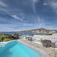 Deliades Hotel бассейн