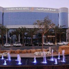 Отель Al Hamra Palace By Warwick гостиничный бар