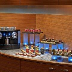 Отель Hilton Cologne питание фото 2