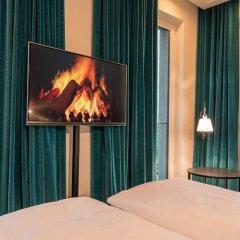 Отель Motel One Berlin-Alexanderplatz Германия, Берлин - 1 отзыв об отеле, цены и фото номеров - забронировать отель Motel One Berlin-Alexanderplatz онлайн комната для гостей фото 4