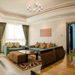 Отель Al Majaz Premiere Hotel Apartment ОАЭ, Шарджа - 1 отзыв об отеле, цены и фото номеров - забронировать отель Al Majaz Premiere Hotel Apartment онлайн комната для гостей фото 5