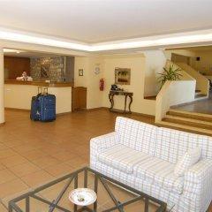 Trypiti Hotel and Suites интерьер отеля