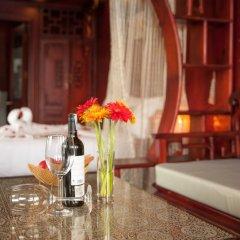 Отель Halong Royal Palace Cruise в номере фото 2