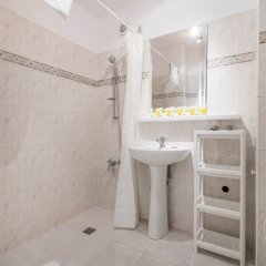 Апартаменты Metro Wilanowska 3-Bedroom Apartment Варшава ванная