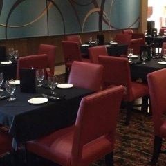 Отель Embassy Suites Columbus-Airport Колумбус гостиничный бар