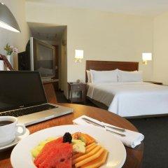 Отель Doubletree By Hilton Mexico City Santa Fe Мехико в номере фото 2