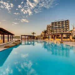 Отель AX ¦ Sunny Coast Resort & Spa бассейн