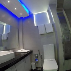 Airport Beach Hotel in North Male Atoll, Maldives from 207$, photos, reviews - zenhotels.com bathroom