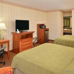 Отель Best Western Plus Raffles Inn & Suites удобства в номере фото 2