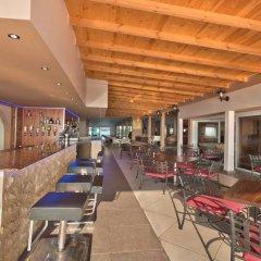 Апартаменты El Lago Apartments гостиничный бар