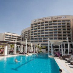 Отель Crowne Plaza Abu Dhabi Yas Island бассейн фото 2