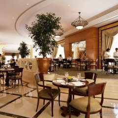 Отель CORNICHE Абу-Даби питание