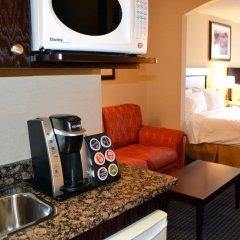 Holiday Inn Express Hotel & Suites Hinton удобства в номере фото 2