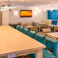 Отель Comfort Suites Seven Mile Beach Каймановы острова, Севен-Майл-Бич - отзывы, цены и фото номеров - забронировать отель Comfort Suites Seven Mile Beach онлайн помещение для мероприятий