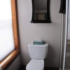 Отель Whisper Creek Lodge ванная фото 2
