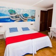 Отель Hostal Cala Ratjada комната для гостей фото 4
