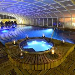Отель Cristal Praia Resort & Spa бассейн