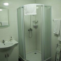 Отель Hin Yerevantsi ванная фото 5