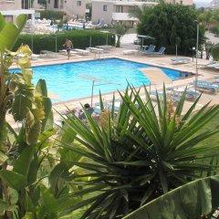 Отель DebbieXenia Hotel Apartments Кипр, Протарас - 5 отзывов об отеле, цены и фото номеров - забронировать отель DebbieXenia Hotel Apartments онлайн бассейн фото 3
