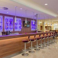 Отель Holiday Inn Express Dusseldorf - City гостиничный бар