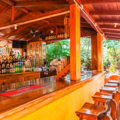 Sunrise Club Hotel Restaurant & Bar бассейн