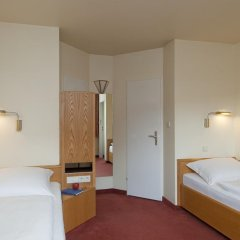 Best Western Hotel Hamburg International сейф в номере