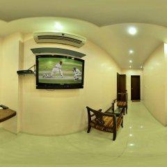 Отель Amax Inn Индия, Нью-Дели - отзывы, цены и фото номеров - забронировать отель Amax Inn онлайн интерьер отеля фото 3