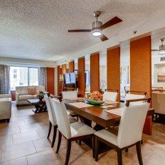 Отель Penthouses at Jockey Club США, Лас-Вегас - отзывы, цены и фото номеров - забронировать отель Penthouses at Jockey Club онлайн питание