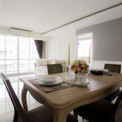 Отель Waterford Condominium Sukhumvit 50 Бангкок комната для гостей фото 5