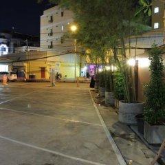 Отель Chitra Suites парковка