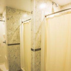 Отель Jazz On The Park Hostel США, Нью-Йорк - 1 отзыв об отеле, цены и фото номеров - забронировать отель Jazz On The Park Hostel онлайн ванная