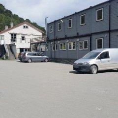 Hellesylt Motel og hostel парковка
