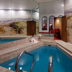 Отель Paradise Stream Resort бассейн