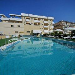 Отель Park Hotel Serena Италия, Римини - 1 отзыв об отеле, цены и фото номеров - забронировать отель Park Hotel Serena онлайн бассейн